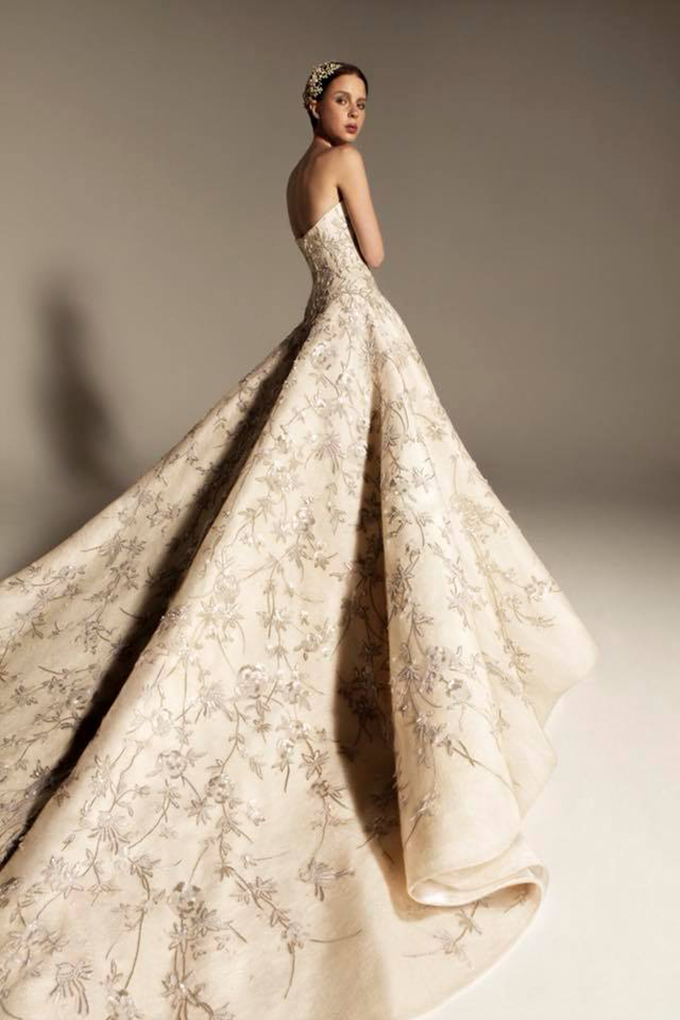 modern-luxury-wedding-dresses-we-adore-3-KRIKOR-JABOTIAN-1.