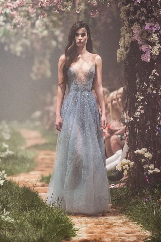 stunning-luxury-wedding-dresses-you-must-see-5-PAOLO-SEBASTIAN-1.