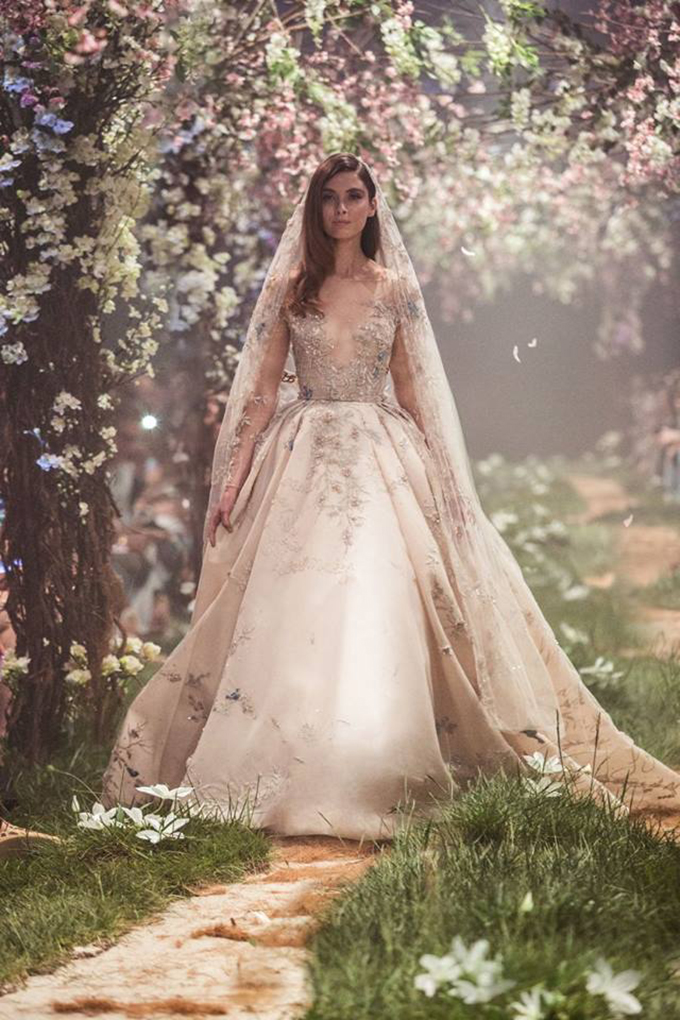 stunning-luxury-wedding-dresses-you-must-see-6-PAOLO-SEBASTIAN-2.