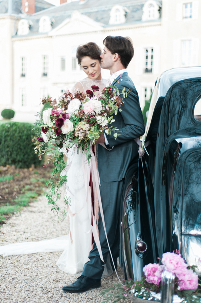 beautiful-elegant-wedding-inspiration-shoot-burgundy-accents-02
