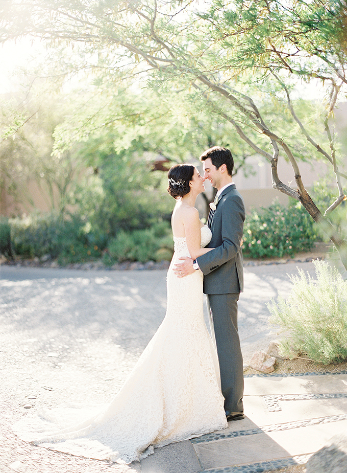dreamy-wedding-green-white-hues-01