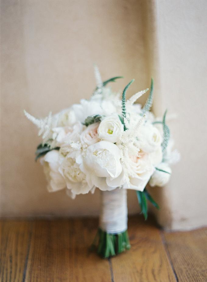 dreamy-wedding-green-white-hues-07