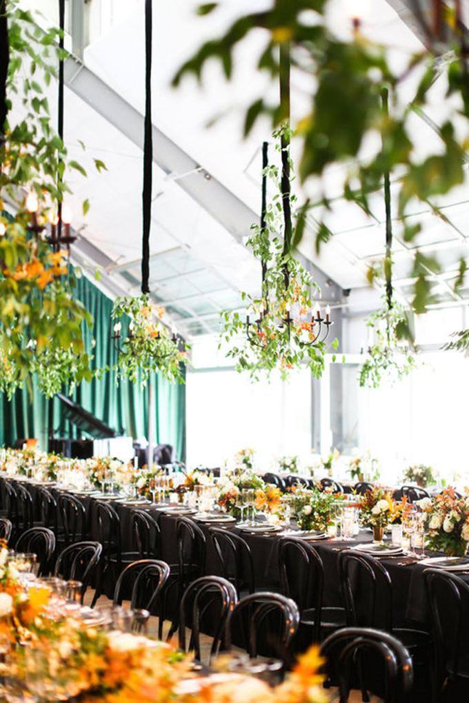 opulent-wedding-black-orange-hues-12