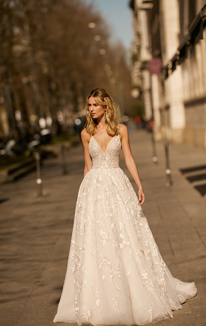stunning-berta-wedding-dresses_32x