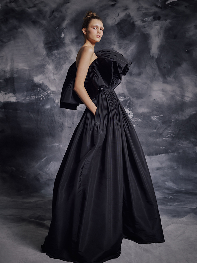 enchanting-luxurious-creations-thrilling-look-krikor-jabotian_03
