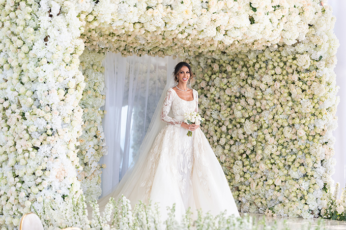 luxurious-blooming-wedding-white-hues_02