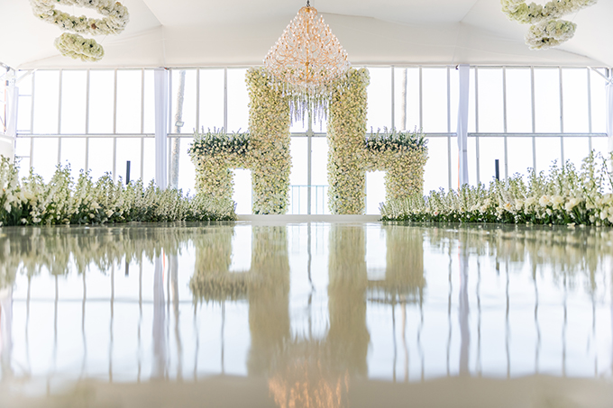 luxurious-blooming-wedding-white-hues_10X