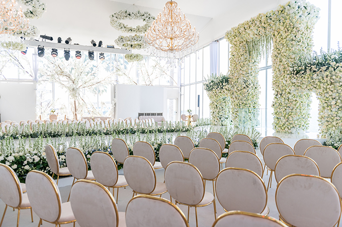 luxurious-blooming-wedding-white-hues_11